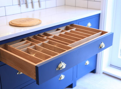 Primary thumb cutlery drawer copy3