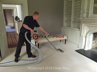 Profile thumb gallery large man carpet cleaning.1  1