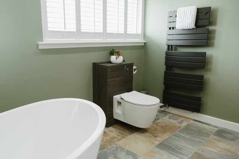 Square Thumb 210816 Crw Aftercare Visit Bathroom Airdrie 4