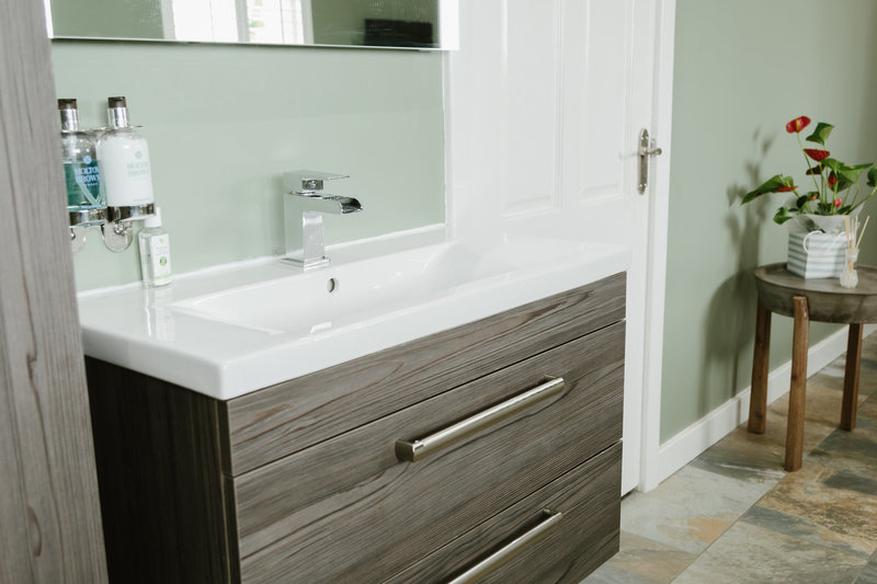 Square Thumb 210816 Crw Aftercare Visit Bathroom Airdrie 2