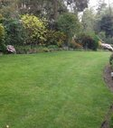 Square thumb wharfedale customers lawn2 800 600 75 s