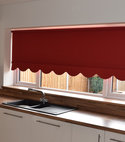 Square thumb traditional roller blind