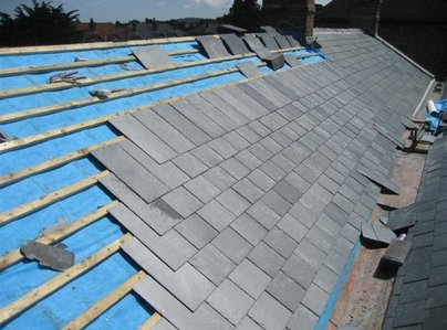 Primary thumb slate roofs